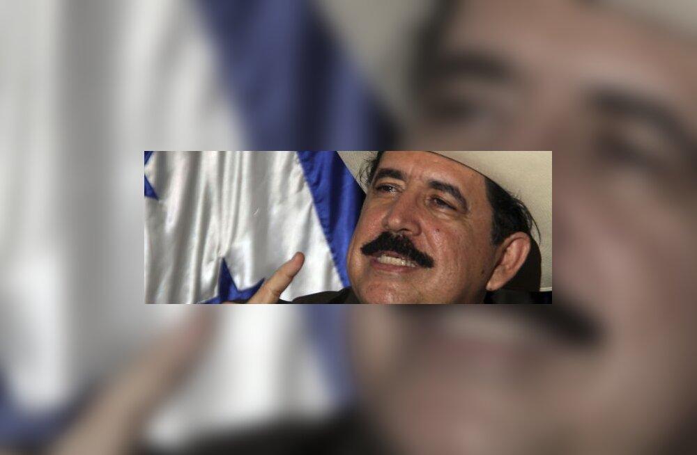 Hondurase kukutatud president naasis kodumaale