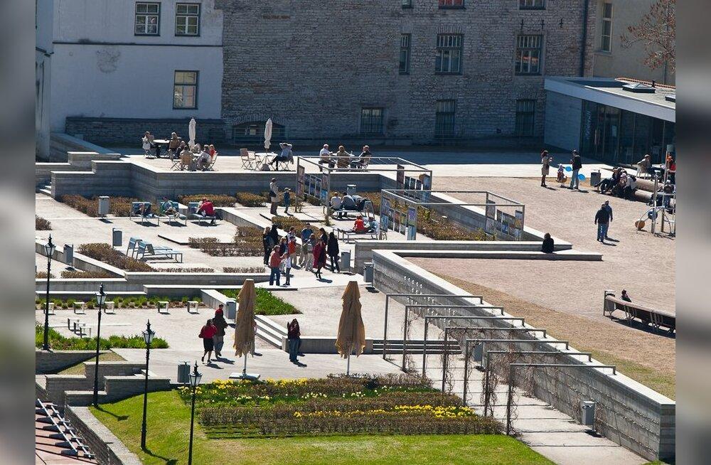 """Центристы согласились, что мартовская бомбардировка была """"культурным геноцидом против Таллинна"""""""