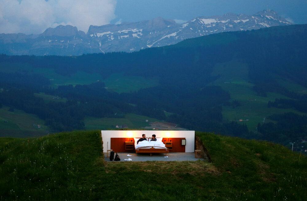 ФОТО | В Швейцарии заработал отель под открытым небом