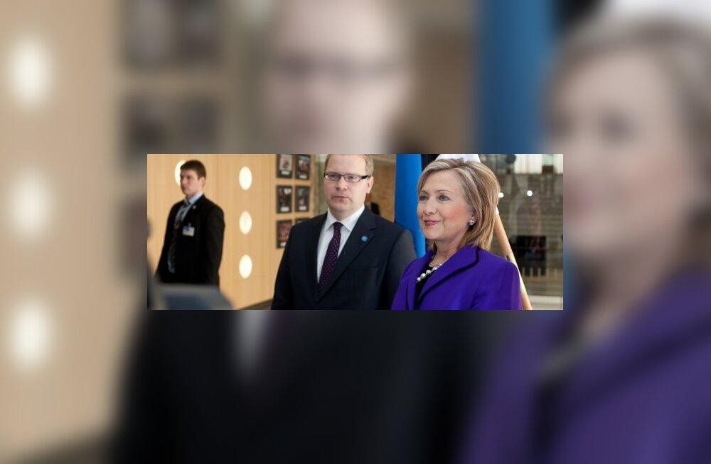Hillary Clinton kohtub Urmas Paetiga