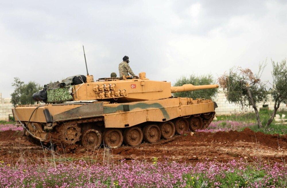 Türgi teatas kurdide käes oleva Süüria Afrini linna ümberpiiramisest