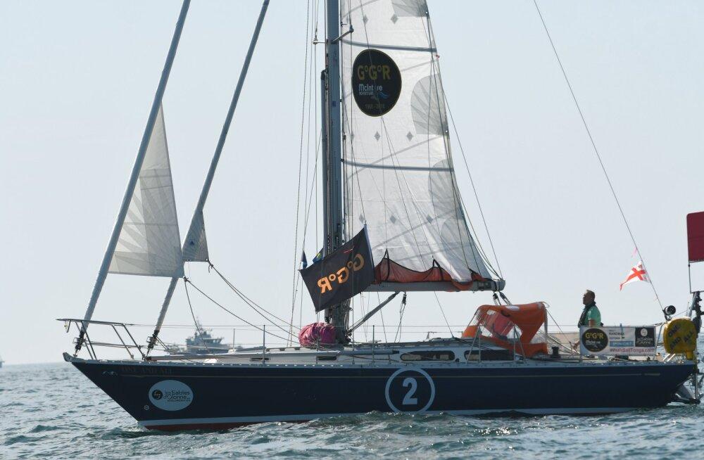 VIDEO | Emotsionaalne hetk: 252 päeva merel olnud Uku Randmaa jõudis ümbermaailma purjetamise võistluse finišisse
