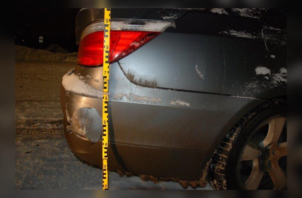 FOTOD: Tartu politsei otsib seitsme avarii pealtnägijaid