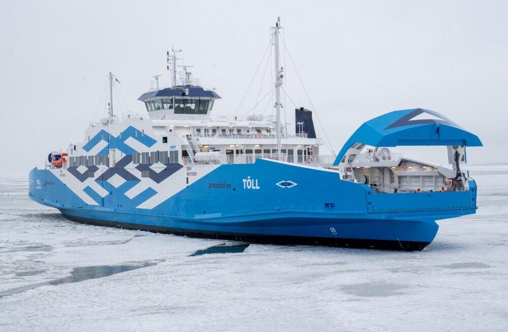 Parvlaev Tõll jõudis Virtsu sadamasse