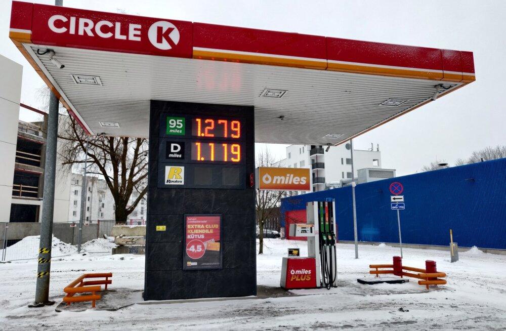 Kütusemüüjad tõstsid tanklates bensiini ja diislikütuse hinda