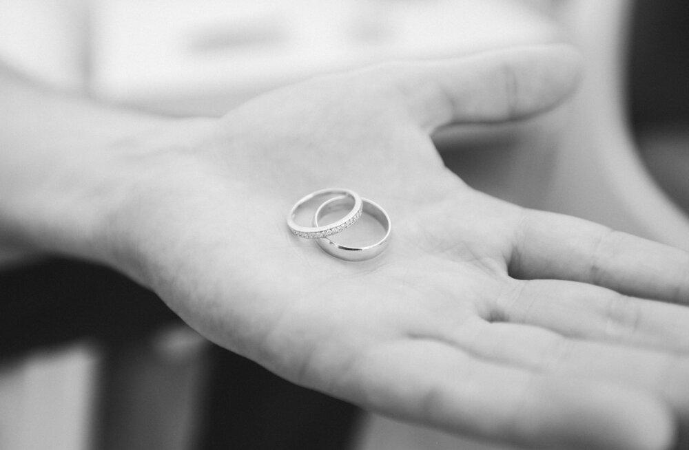 Üle 55aastane mees ausalt oma abielust: tülide käigus oleme teineteisele tunnistanud, et kui saaks elu otsast alustada, siis koos me kindlasti ei oleks