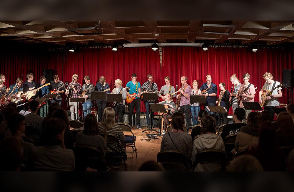 Tähelepanu melomaanid! Täna algab 10. Viljandi kitarrifestival: lavalaudadele astuvad maailmaklass ning kodumaine paremik