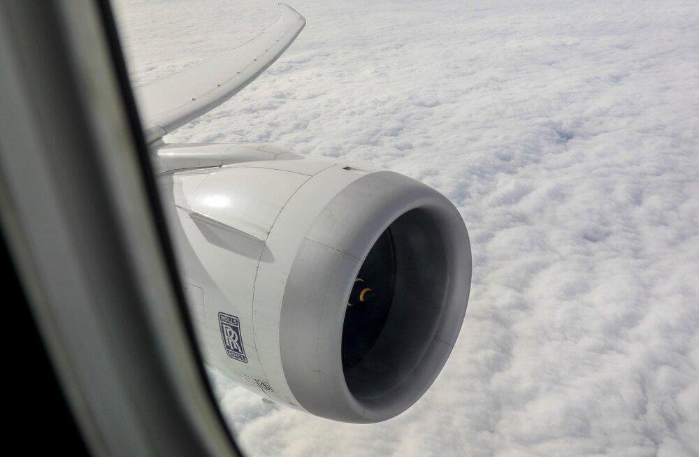 Vaade lennukiaknast
