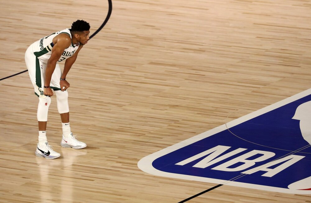 NBA põhiturniiri võitjat tabas täielik häving, Lakers jäi Rocketsi vastu kaotusseisu