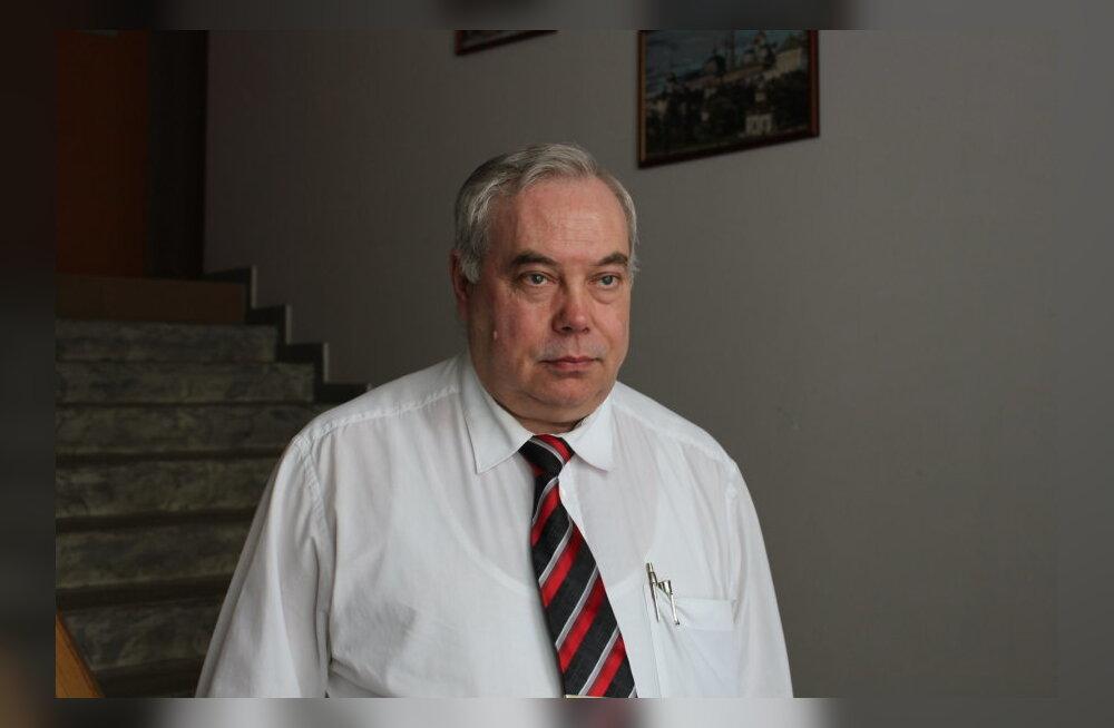 """Городской секретарь Нарвы Антс Лйиметс считает, что муниципальная газета должна обязательно выходить на эстонском языке. """"Эстонцы будут требовать"""""""