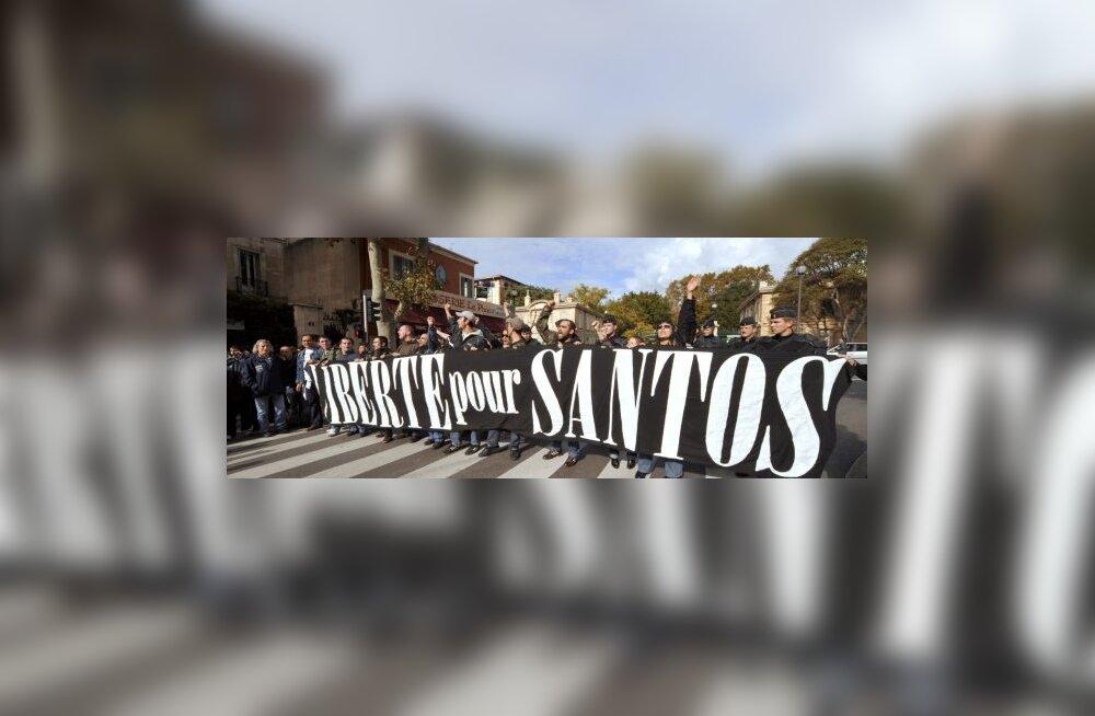 Olympique Marseille fännid nõuavad vahistatud Santos Mirasierra vabastamist