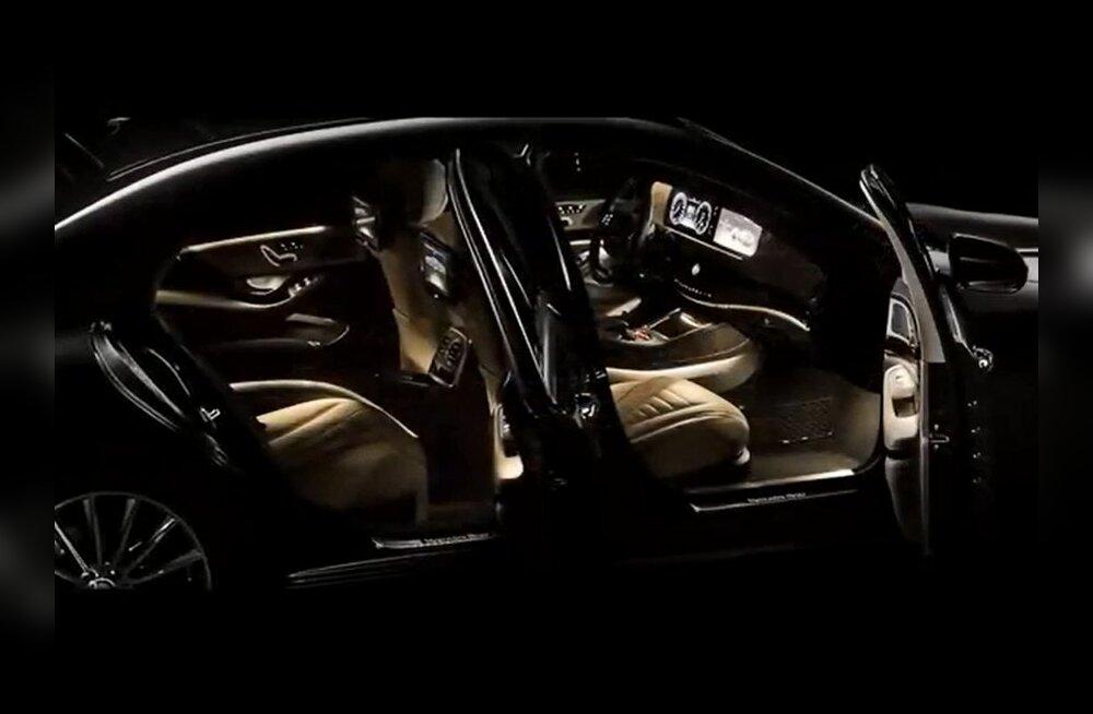 Kuum: maskeeringuteta Mercedese lipulaev spy-fotograafide objektiivi ees!