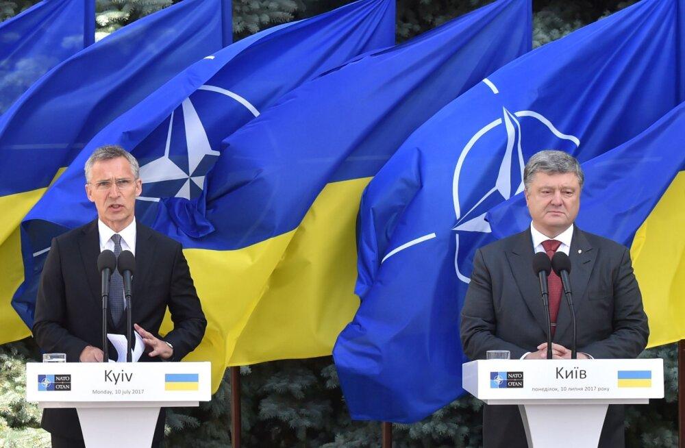 Порошенко и Столтенберг договорились о срочном созыве комиссии Украина-НАТО