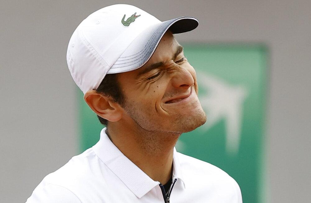 ВИДЕО: Что происходит, когда у теннисиста сдают нервы?