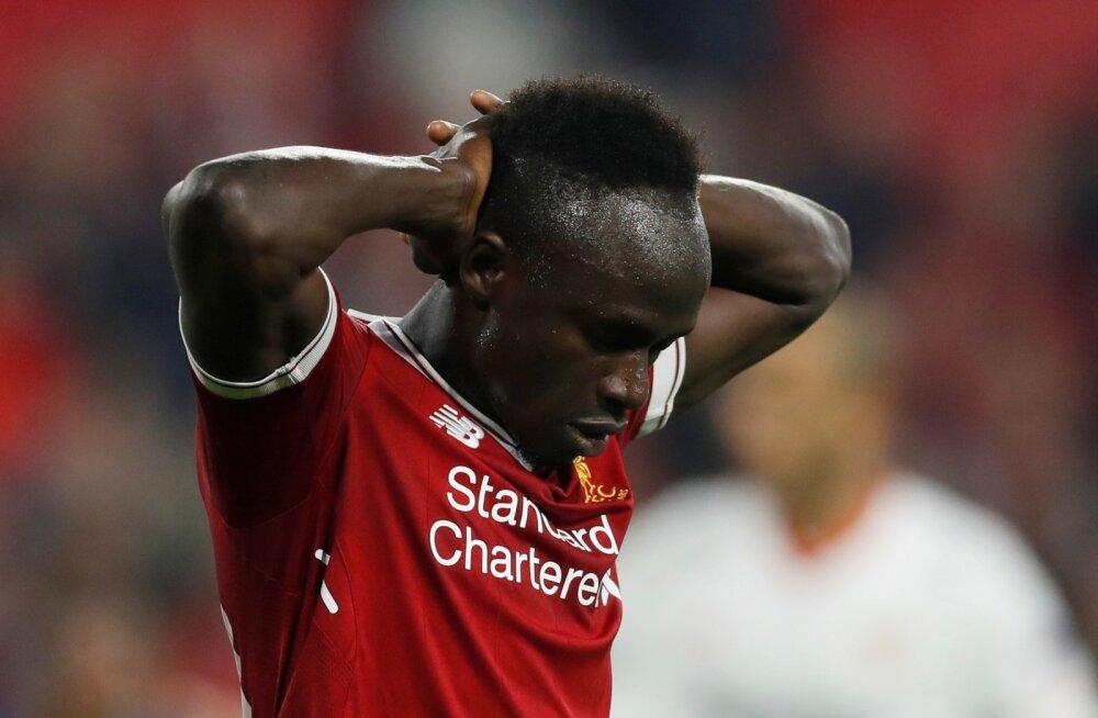 Liverpooli mängijatel on telefonis äpp, mis on mitmetele palluritele juba trahve kaasa toonud