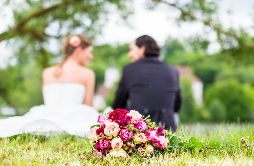 Mehed avaldavad arvamust: kümme märki, mis viitavad, et oled abielumaterjal