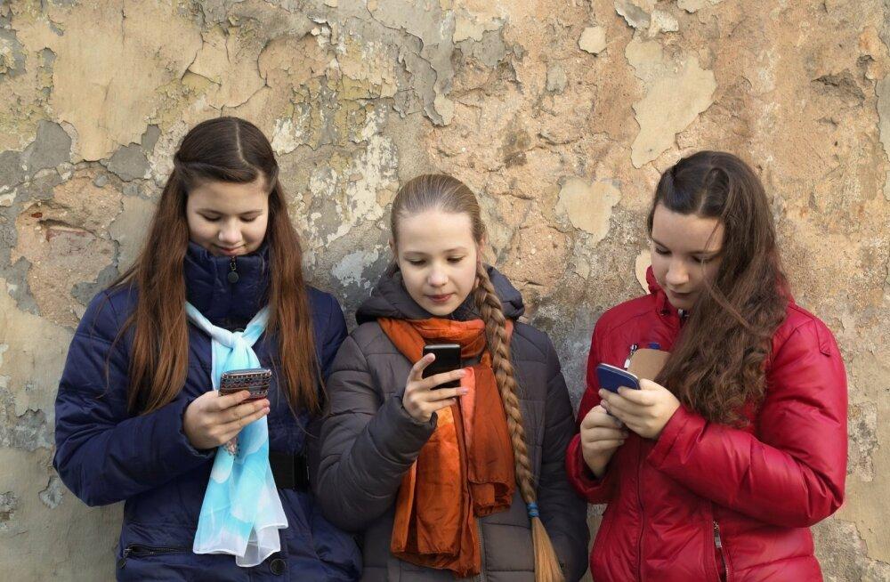 Nutitelefon ei pruugi siiski teismeliste nutikust vähendada