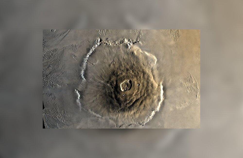 Miks Marsi vulkaanid nii suured on?