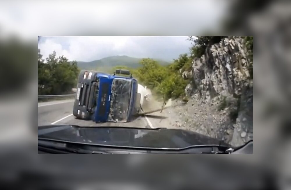 Metsik liiklus ja pistisemaiad politseinikud ehk miks Vene autojuhid kõike filmi võtavad