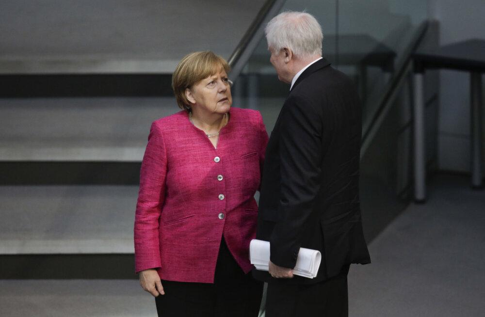 Merkel ja Saksa siseminister pöörasid pagulaste vastuvõtmise pärast tülli