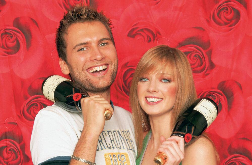 VAATA ja loe ikoonide lugu: 2004 ehk Euroopa Liitu pääsemise eufoorias valis rahvas seksikaimaks oma eurotähed Koidu ja Inese