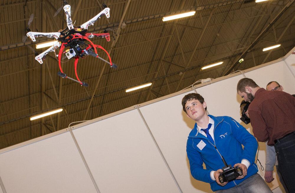 Droonid lennutasid noormehe kutsekooli