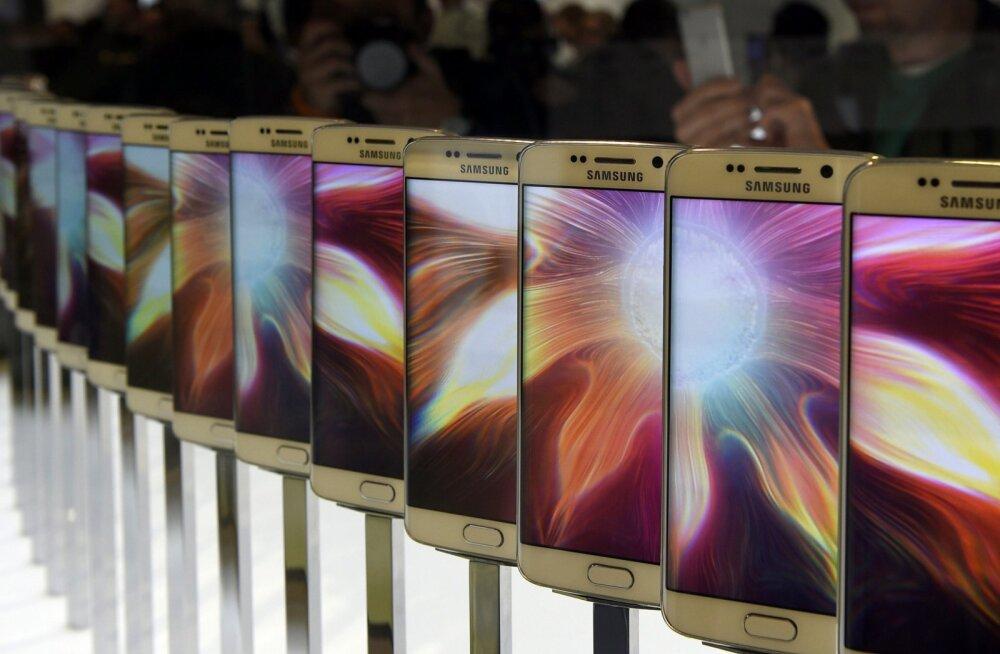 Kaks parima ekraaniga nutiseadet, mis saadaval, pärinevad mõlemad Samsungilt