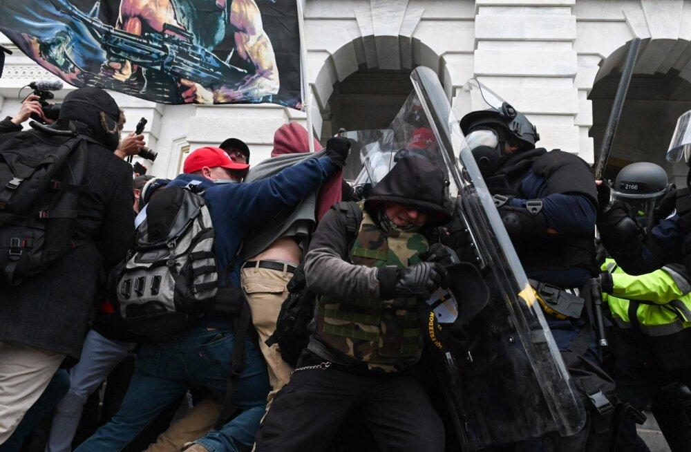 USA-s Kapitooliumi ründamise käigus vigastada saanud politseinik suri