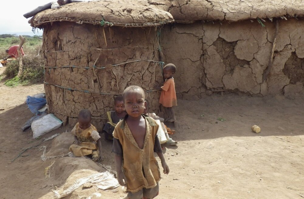 Keenia 2012, Masai lapsed oma kodumaja juures