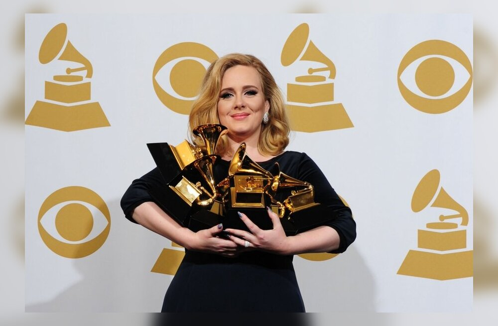 Adele riisus Grammyde jagamisel koore