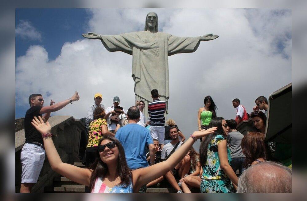 Мэр Рио предложил компенсировать потери ограбленным туристам за их счет