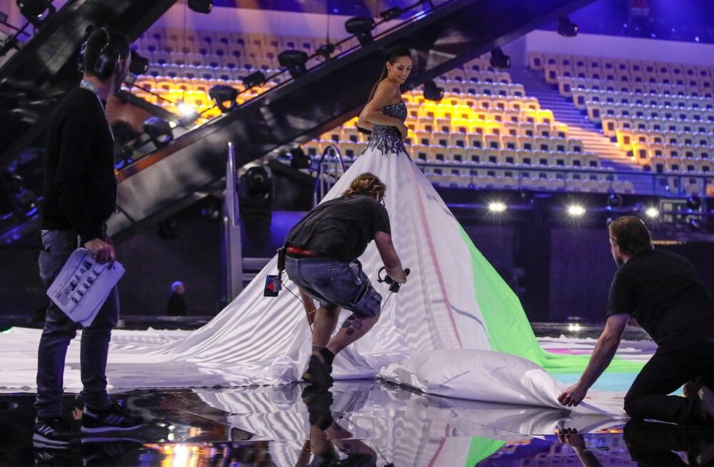 Elina Netšajeva valmistub lavale minema