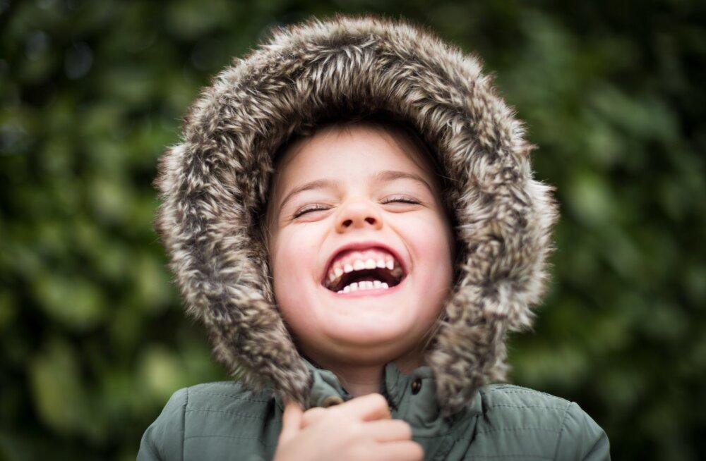 PANE LAPS KOOLI KIRJA | Elukohajärgse kooli taotluste vastuvõtt algab Tallinnas 1. märtsil