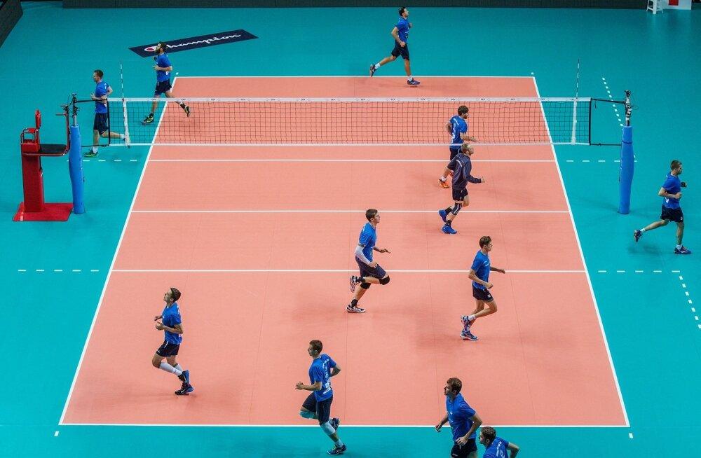 Eesti võrkpallikoondise treening EM finaalturniiril Pala Yamamay Arenal Busto Arsizios.