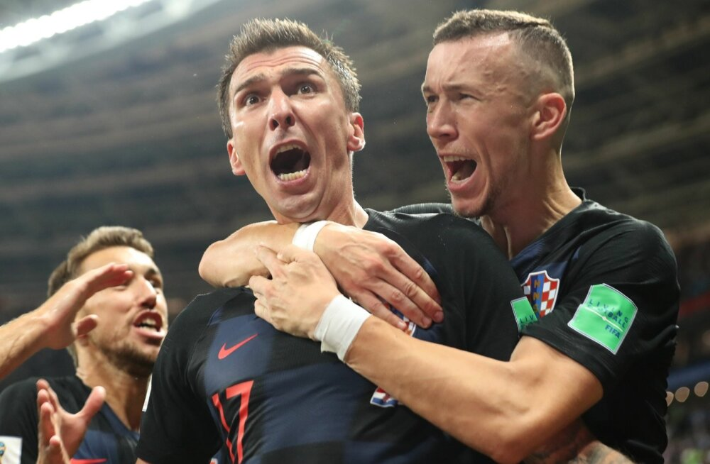 Horvaadid tähistamas Mario Mandžukici võiduväravat.
