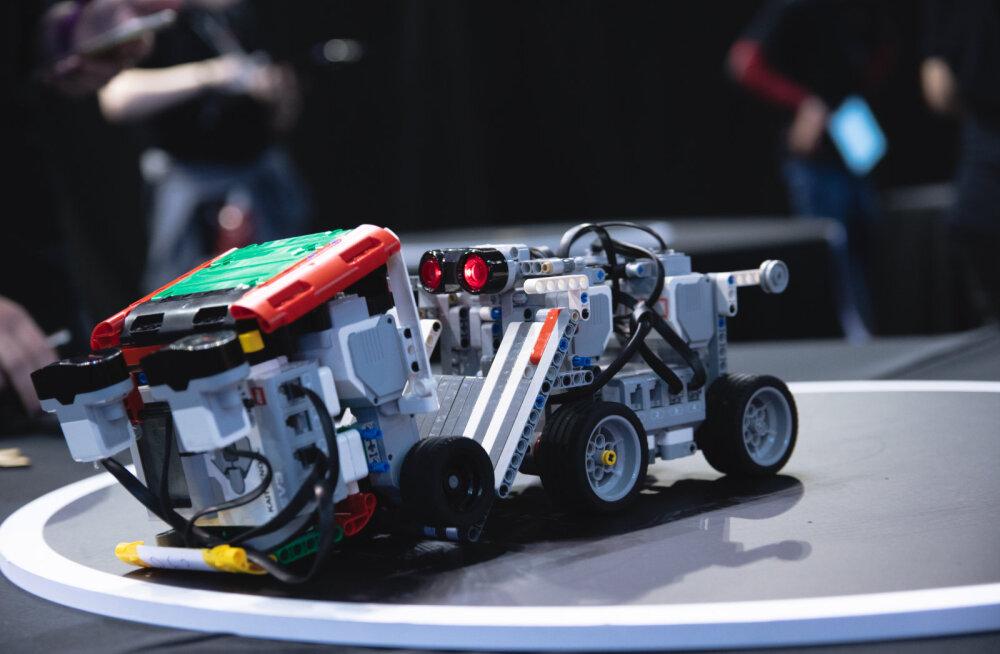 GALERII   Robotex tõi Saku Suurhalli tuhandeid võistlejaid ja külastajaid