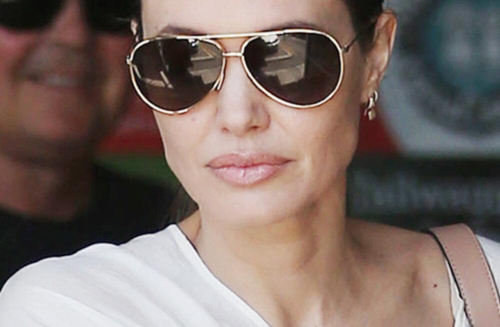 Angelina Jolie üllatas fänne uskumatu kokkuhoidlikkusega: laste riiete päritolu tunti kohe ära