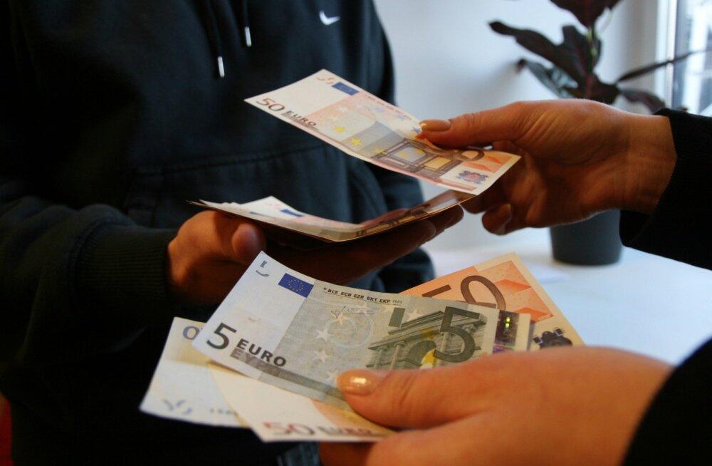 Uuring: üha rohkem ettevõtteid kavandab palgatõusu