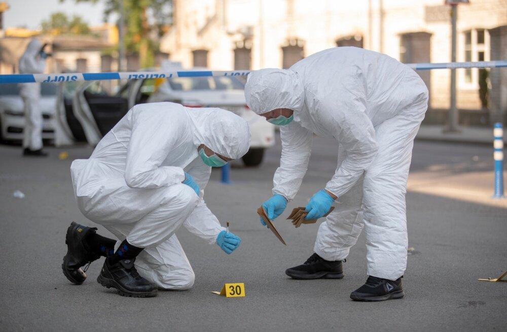 Tulistamine Telliskivis, sündmuskohal töötavad kriminalistid
