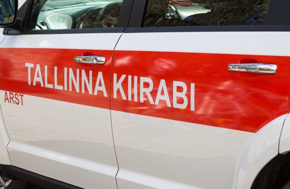 В Ласнамяэ 94-летняя женщина попала под машину