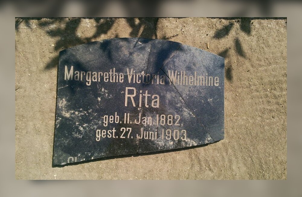 FOTO: Õnnetult surnud mõisapreili 100 aastat kadunud olnud hauakiviplaat leiti üles