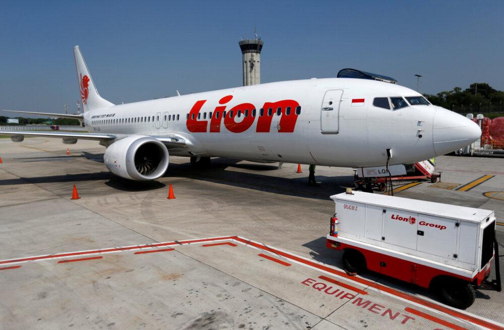 Lion Airi piloodid lugesid enne merre kukkumist paaniliselt juhendit