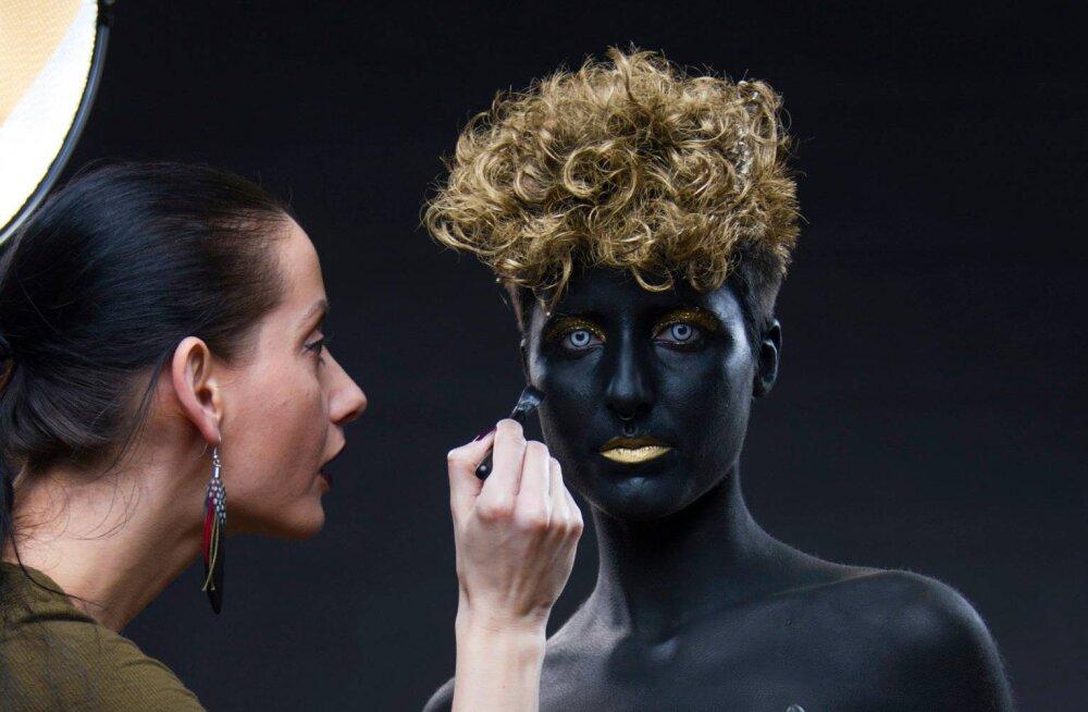 VAATA: Staarfotograaf Indrek Galetin tegi tõelise läbimurde, surudes oma foto Itaalia Vogue'i!