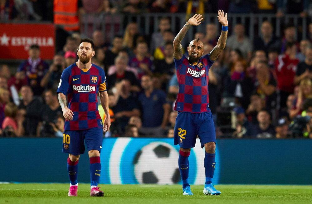 Itaalia tippklubi jahib Barcelona keskväljamootorit