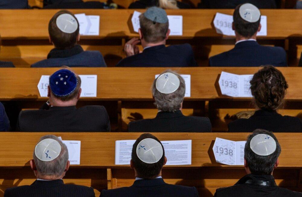 Juudid sünagoogis