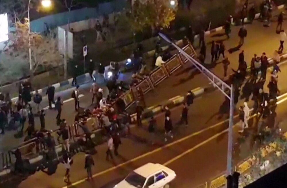 Riigitelevisioon: Iraanis hukkus öistes rahutustes üheksa inimest, kokku on hukkunuid 20