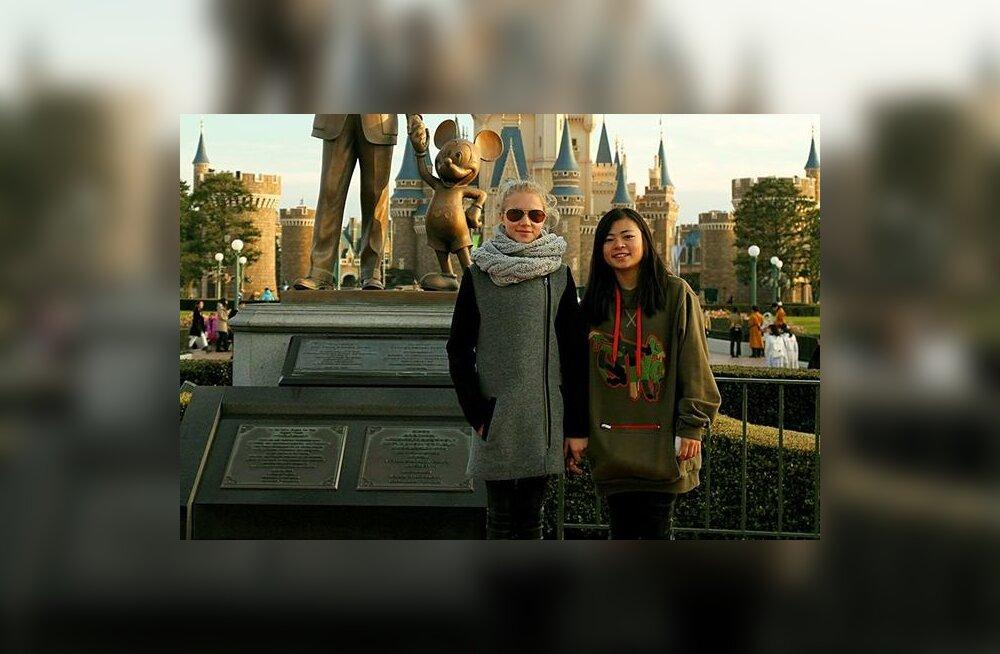 FOTO: Suusad nurka ja lõbustusparki! Kelly Sildaru käis Tokyo Disneylandis