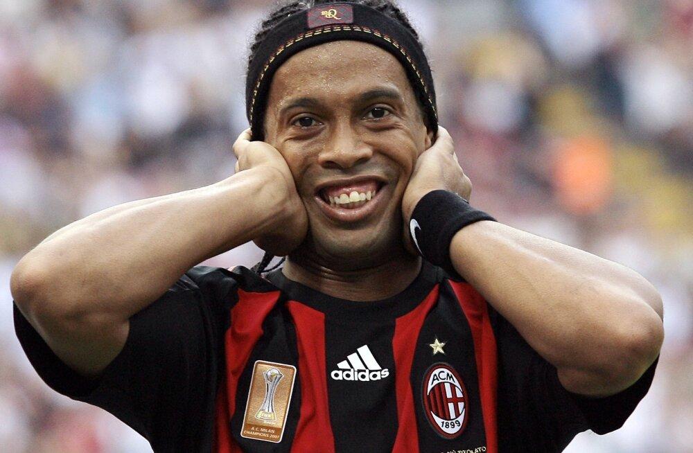 Ronaldinho  (AC Milan)