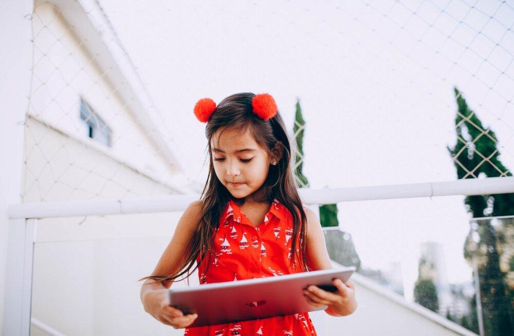 Развлечение или труд? Когда слава в социальных сетях приходит в детстве