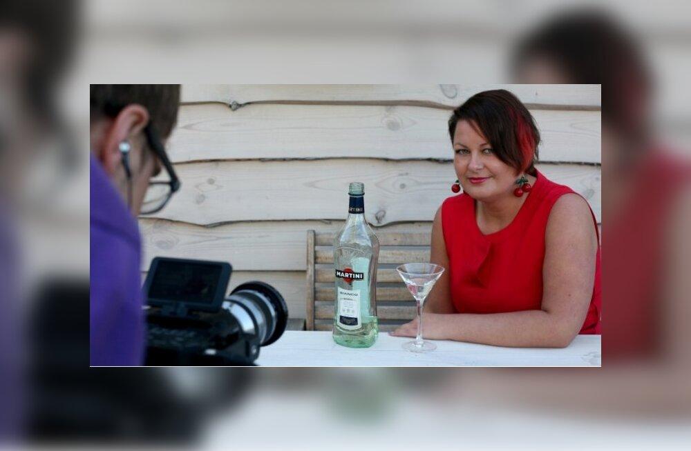 Martini-neiuks pürgiv Mari-Leen loosib hääletajate vahel välja tutika iPhone'i!